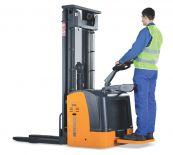 Wózek podnośnikowy HI-TRUCK50 PLUS AC z podestem operatora do pracy w mroźni