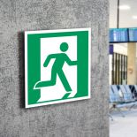 Znak LEVI E02 Wyjście ewakuacyjne(prawo) E002 PF