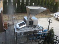 Maszyna do łuszczenia orzechów